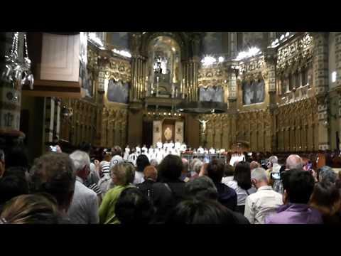 Испания,Монтсеррат, хор мальчиков исполняет Аве, Мария!