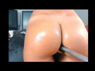 Sexy girl with nice ass likes anal big dildo fucking machine
