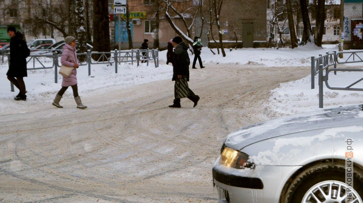 уборка снега, Чайковский, 2017 год