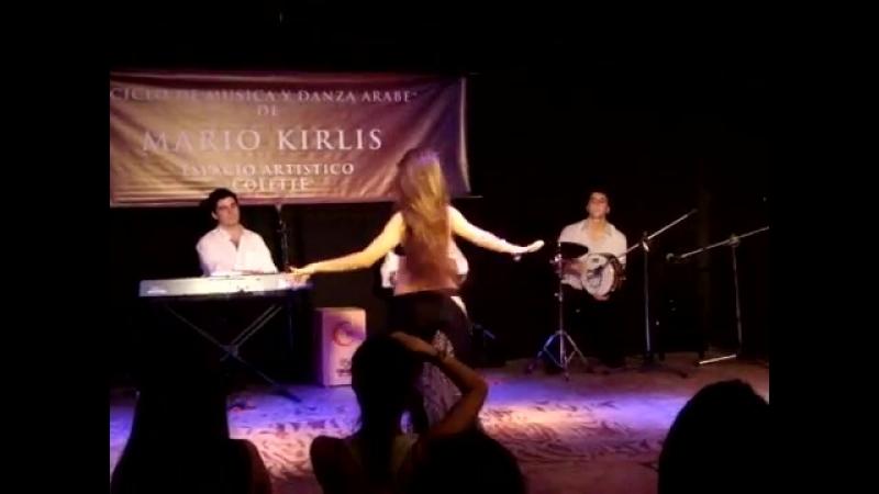 Juliana Aragón en Colette. Improvisación de derbake 22676
