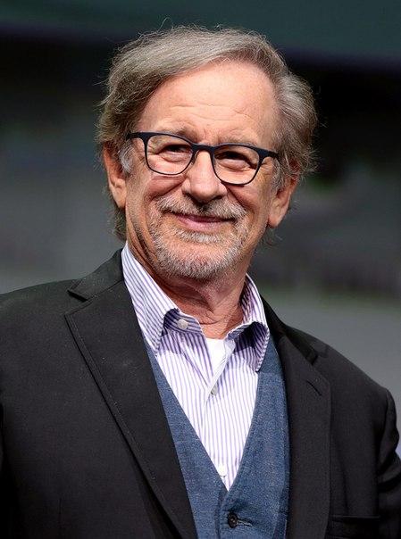Стивен Спилберг стал первым режиссером, совокупные сборы фильмов которого преодолели отметку в 10 млрд долларов в мировом прокате.