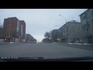 Неадекват чудит недалеко от перекрёстка Степной и Станиславского