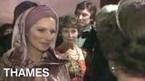 Royal Film Premier Queen Elizabeth Barbra Streisand funny Lady 1975