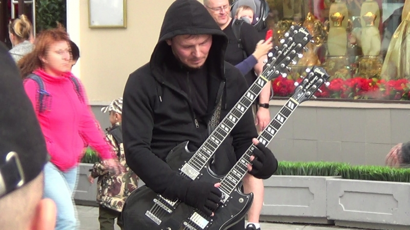 Metallica - 'Nothing Else matters' on Streets of Moscow