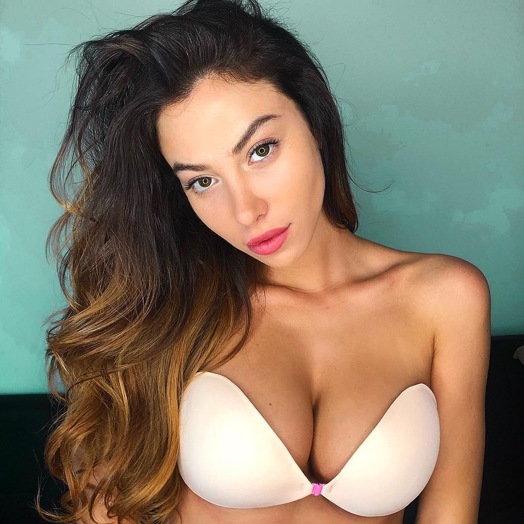 Nude model class