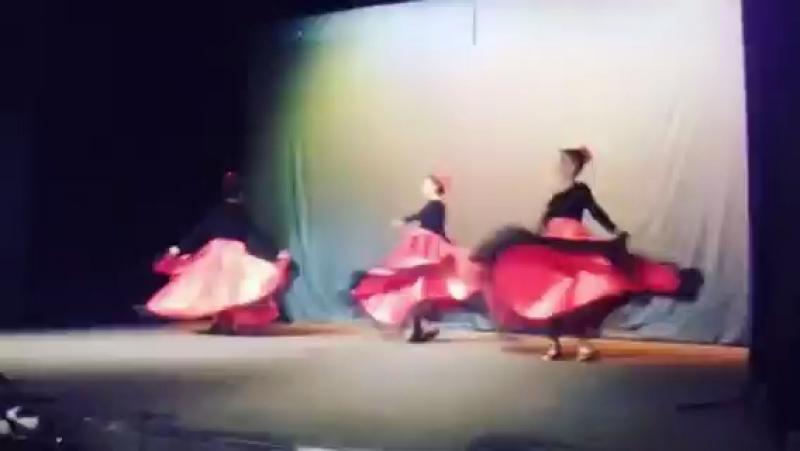 Танцевала
