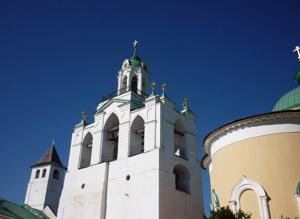 NgCAEDOk2xc Спасо-Преображенский монастырь в Ярославле.
