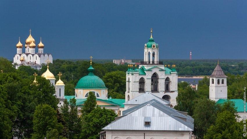 wFkxEPdbl_s Спасо-Преображенский монастырь в Ярославле.