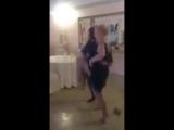 Как танцуют нормальные люди, и как танцую я