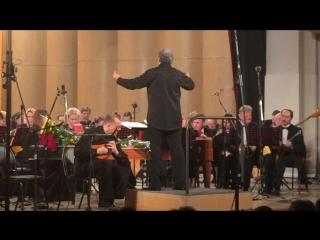 Чайковский концерт для скрипки , финал ( Артем Белов -домра) дирижер Цыганков