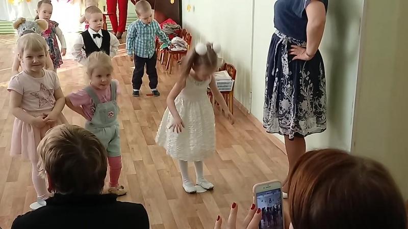 Утренник в честь 8 марта) Софи ❤ танцует