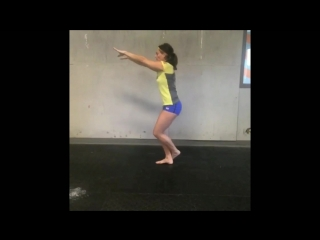Auxiliary exercise for pistol squat 1