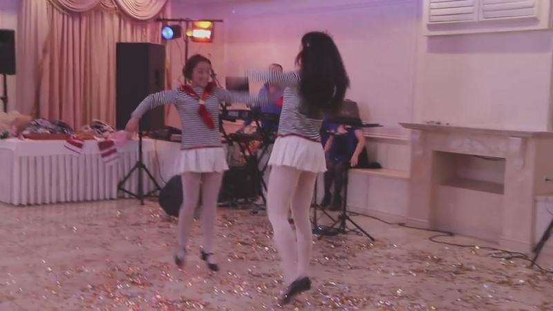 Танец - подарок от гостей на свадьбе 06.11.15 год