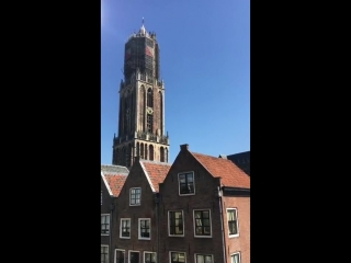 Dutch church plays Avicii songs to pay a tribute (Hey Brother / Without You / Wake Me Up)