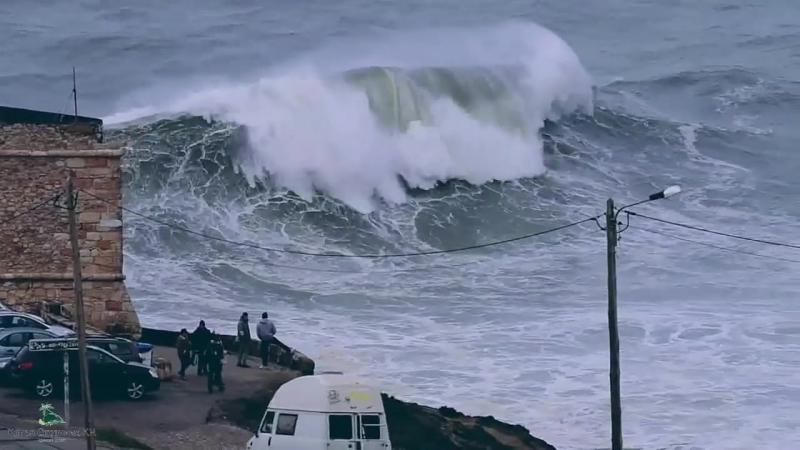 Самые большие волны в мире (Назаре, Португалия)