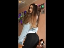 Красивая школьница в лосинах крутит попой танцует под Элджея Минимал