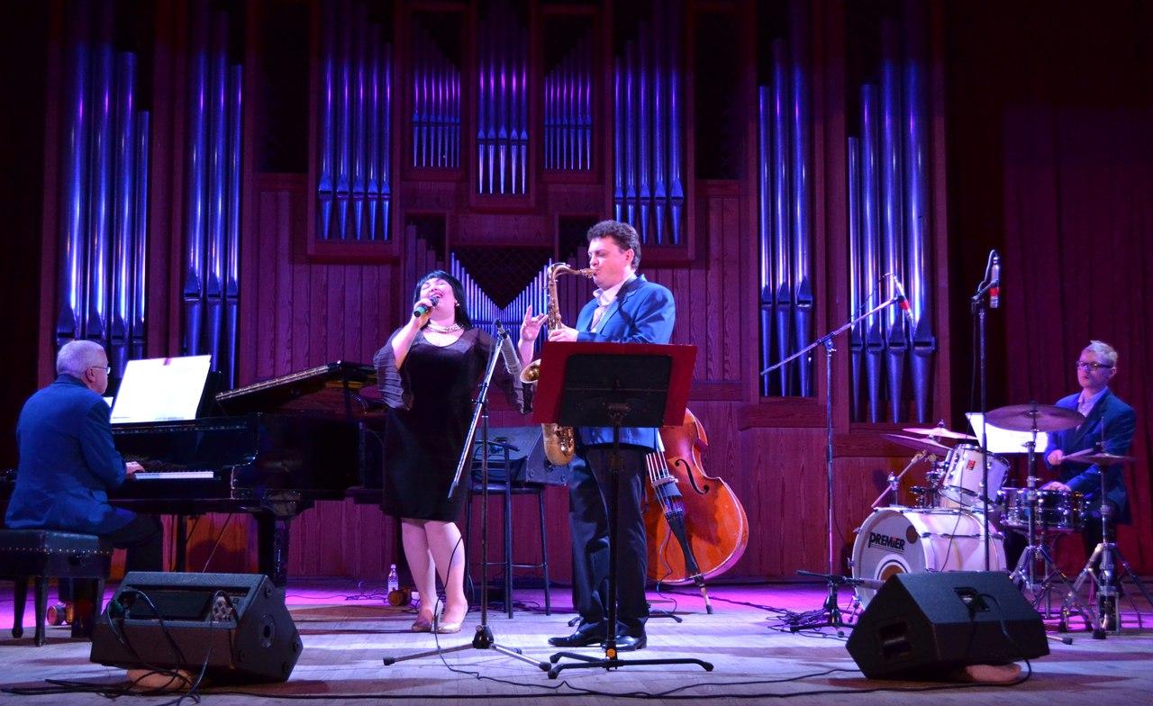 Ансамбль «Combo» представил программу «Новый год в джазовых тонах»