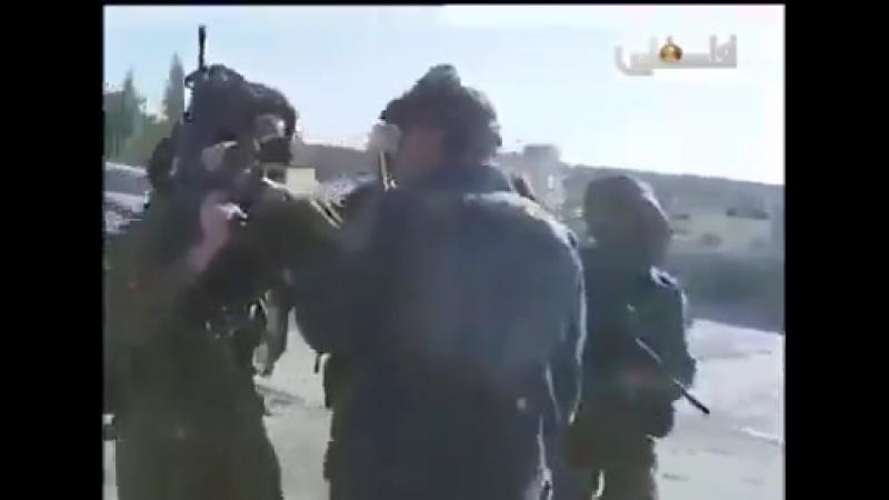 Израиль. Четвёро вооруженных бойцов ЦАХАЛ vs Араб