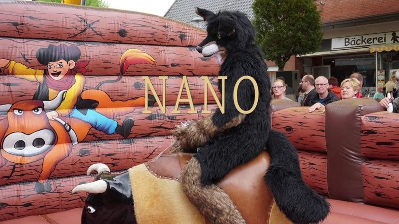 Fursuiting   Frühjahrsfest in Dingden Bullriding