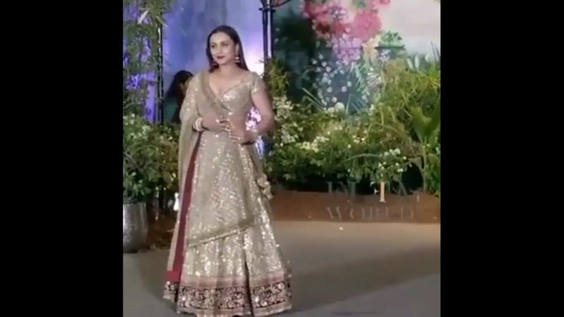 Рани Мукерджи на свадебном приёме Ананда и Сонам