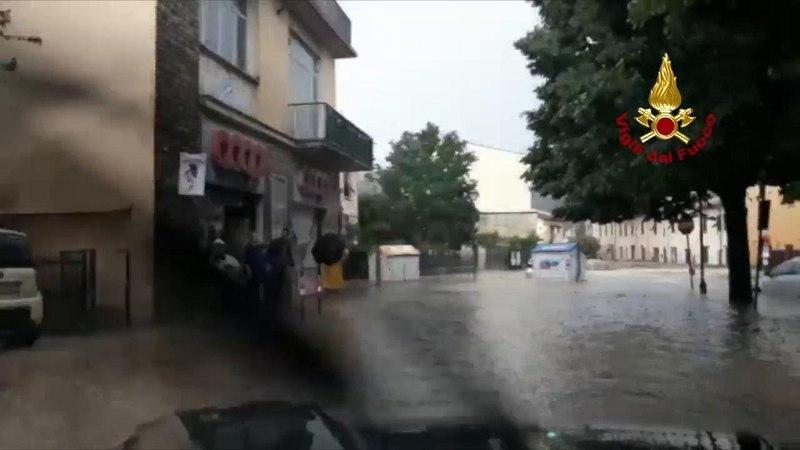 Toscana, esonda un affluente dell'Ema: le strade allagate a San Polo in Chianti