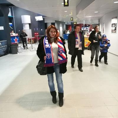 Лена Тарасова