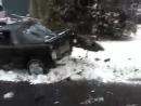 ебанутые америкосы вытягивают машину из снега