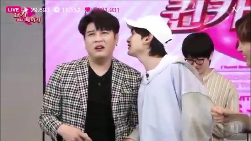 슈퍼주니어 롯데면세점 When Hyukjae desperately want ppl know the OST lol