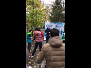 """Руслан Айсин готовится к серьезным поединкам... И начал...со Всероссийской акции """"Зарядка с Чемпионом"""" в Саратове."""