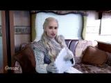 [iVideos] За кадром 8 сезона «Игры Престолов» с Эмилией Кларк (Озвучка)