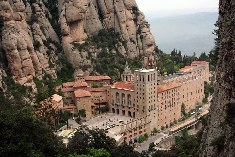 3Xzi1hDtwEA Монастырь Монсеррат жемчужина Каталонии.