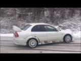 Mitsubishi Lancer Evo 6 snow drift
