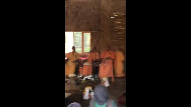 церемония посвящения в санньясу Ананда Вардханы Свами