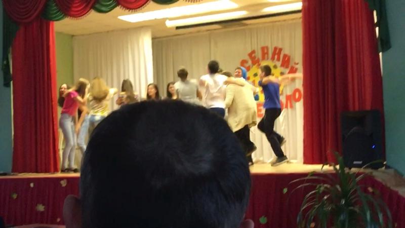 8а танцует харба$$🤙🏻🤙🏻🤙🏻