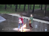 В Краснодарском крае школьницы устроили танцы возле Вечного огня