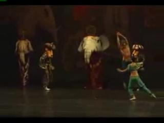 Всем поклонникам балета_Парень на заднем плане в разделе