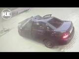 В Махачкале водитель не справился с управлением и врезался в заправку