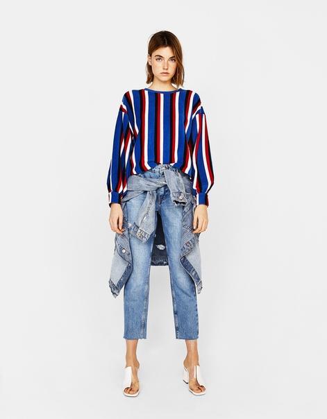 Трикотажный свитер в вертикальную полоску