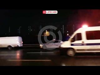 Иномарка влетела под фуру на 86 км МКАД