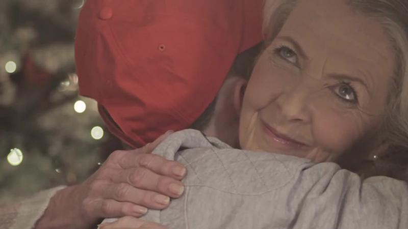 Анабель Девис в рекламном ролике.