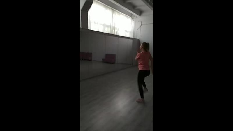 энергичная яркая Мария тренер Танцформации