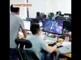Вот как надо играть на компьютере, когда босс рядом