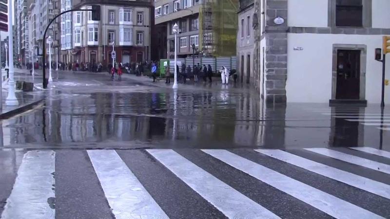 Temporal olas grandes 3 de marzo 2014 Gijón