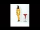 黄金に輝く美少女 キャットスーツ Asian Beauty huge breasts catsuit Monroe walk