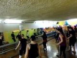 Тренировка танцевальная аэробика в фитнес клубе Пантера