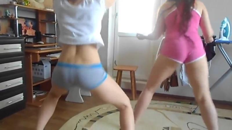 Школьницы танцуют тверк(малолетка,юная,teen,incest,подростки,малолетки,pov,спалилась,girl,18 лет,18)