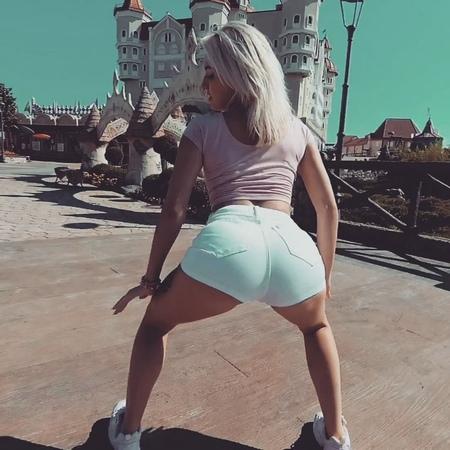 "Малышева Анастасия on Instagram ""Пустите меня на танцпол🤘😈 dancemalyshka girl beautiful summer sochi best video shake twerkgirl twerk t..."