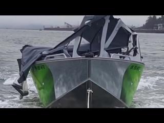 Катер в США разнес в щепки лодку с рыбаками