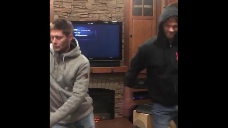 Dance Jensen Ackles and Jared Padalecki