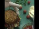 Классический американский бургер с мраморной говядиной и луковым джемом 🔥